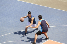 Match de basket en plein air