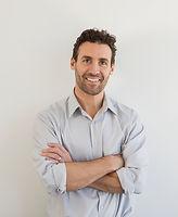 Portret uśmiechniętego mężczyzny