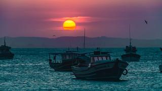 SL20 Sunset on Water