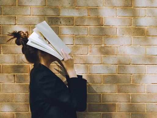 Duben – v knihách ležet budem
