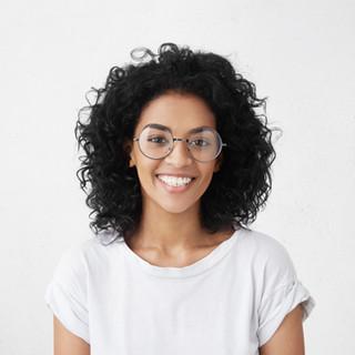 Retrato de mulher sorridente
