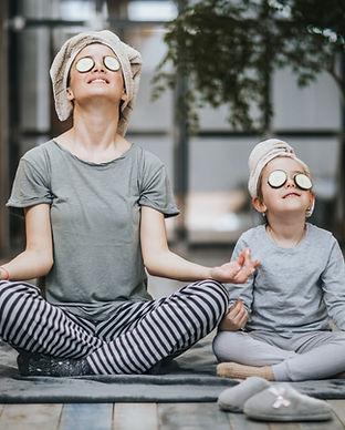 母と娘の瞑想