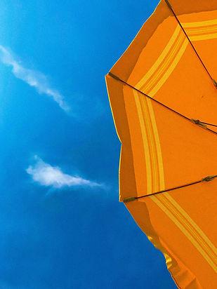 Pomarańczowy parasol
