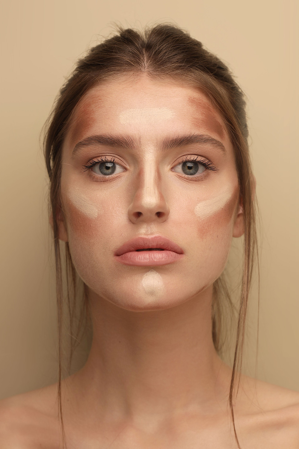 Face contouring on a woman