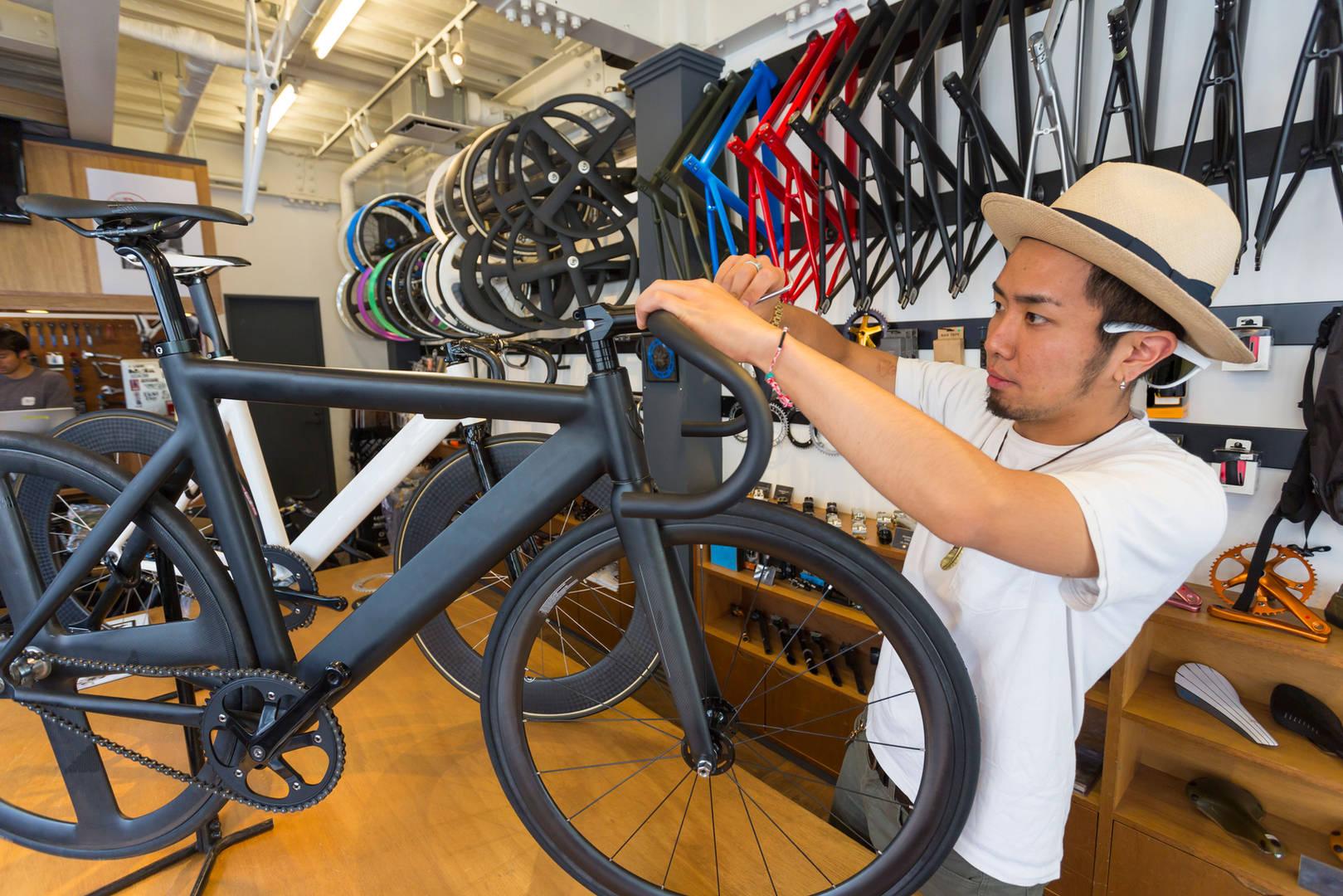自転車屋の店員