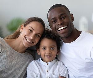 Christel AUDIBERT: certifiée en thérapie brève, EFT, hypnose, PNL accompagne les enfants et les familles.