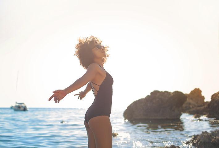 Jovem na praia