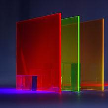 Vidro transparente colorido