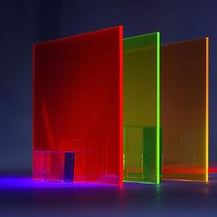 Vetro trasparente colorato
