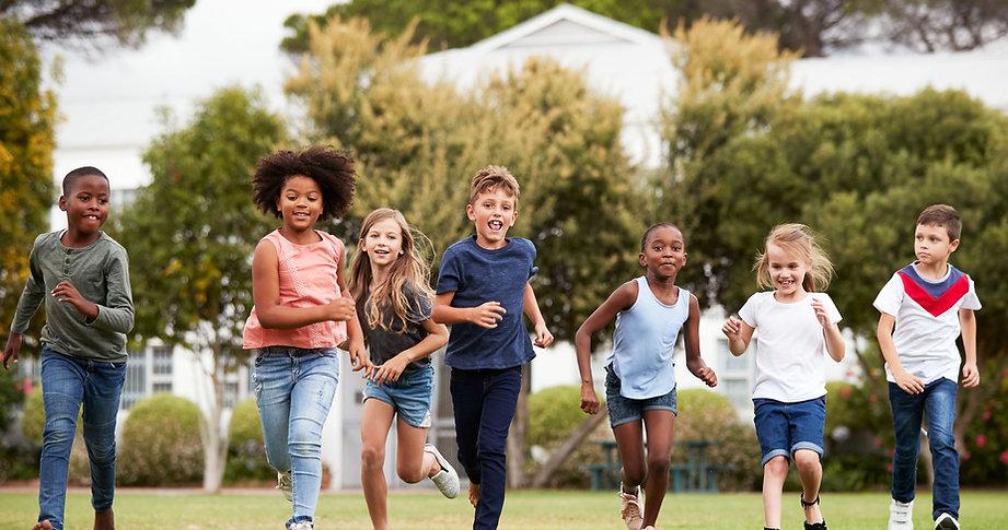 kinderen lopen