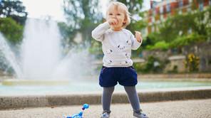 Смученето на палеца: проблем ли е и как да отучим детето от навика?