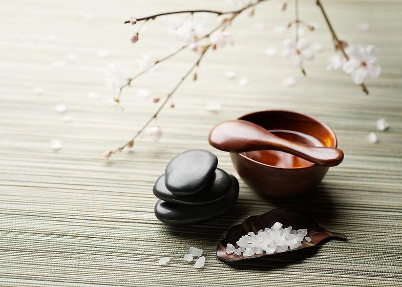 スパの塩と石