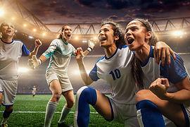 Pro Defending's populære fodboldskoler er anført af tidligere professionelle fodboldspillere, med erfaring fra La Liga, Serie A, Premier League, Bundesligaen, Ligue 1, Champions League, Europa League, Superligaen og Landsholdet. Vores populære fodboldskoler og fodbold camps finder sted i samtlige skoleferier, herunder vinterferien, påskeferien, sommerferien og efterårsferien. PRO fodboldskolerne afvikles i stort set hele Danmark, så glæd dig til sommeren 2021, hvor du igen har muligheden for at deltage på Danmarks mest professionelle fodboldskoler, hvor seriøsitet, intensitet og kvalitet leveres med et glimt i øjet.