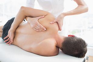 Massage des oberen Rückens