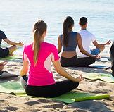 Yoga à beira do mar