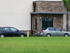 Когда владельцу машины или квартиры нужно обратиться в инспекцию за налоговым уведомлением