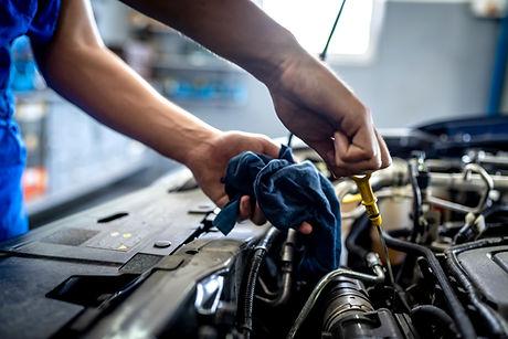 Mécanicien automobile