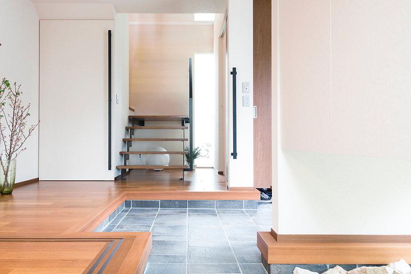 Entrada moderna a la casa