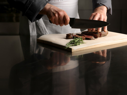 How not to spoil the meat: The knife and the direction of the cut 🔪