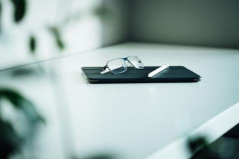 Custodia per tablet e occhiali