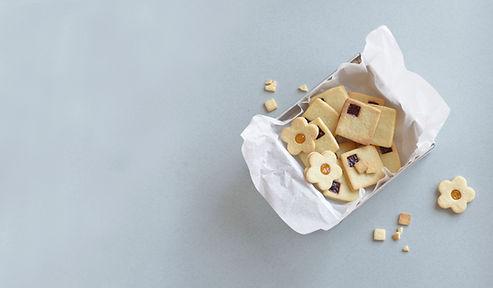 lekkere koekjes in een doosje