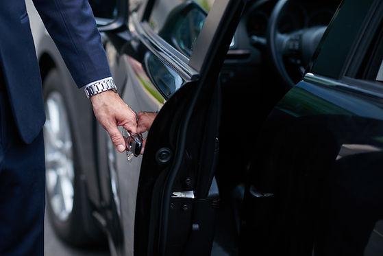 Black Car Service, Tailored servcies, private transfers, LIMOWAY private transfers, LIMOWAY special occasion transfers.