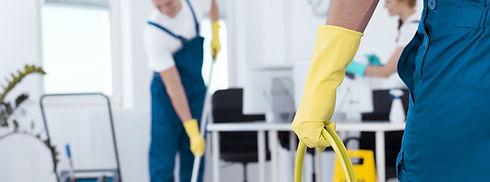 alento-group Reinigung Putzen Dienstleistung HygieneDen Boden wischen