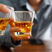 チリンと鳴るウイスキーグラス