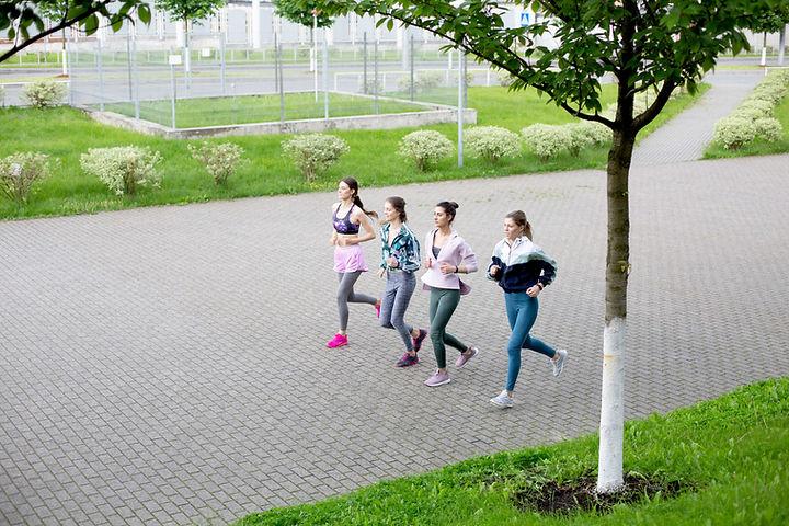Jogging Girls