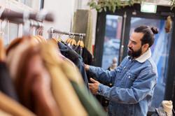 Organizzazione degli scaffali dei negozi