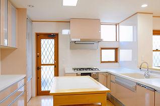ある住宅のキッチン