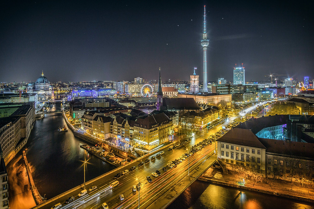 Berlin at night by Olesen Tuition