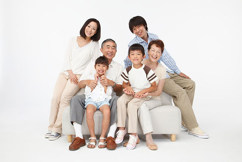 三世代 人物 家族の写真
