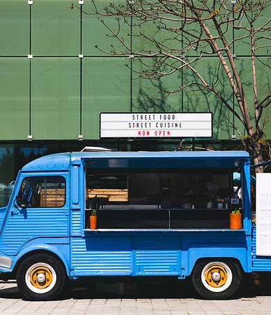 Food Truck Weitwinkelaufnahme