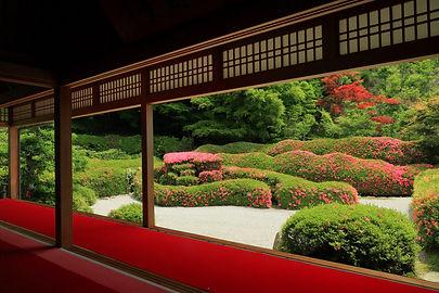 大池寺の庭園