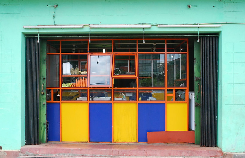 Janela de loja colorida
