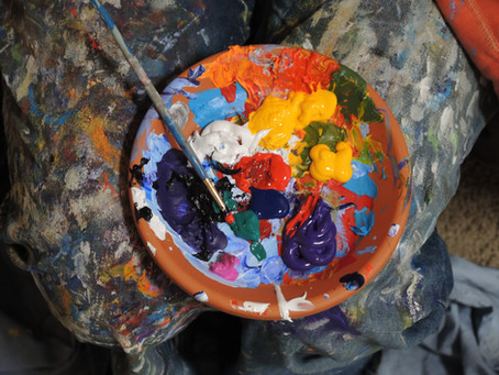 Lindsay, what are your favourite art mediums to create? Do they differ from those you appreciate?