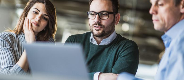 How Christian Entrepreneurs Build Trust on LinkedIn