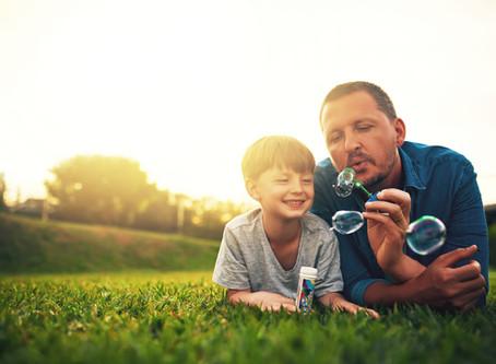 Pai, não perca a chance de ser o herói do seu filho!