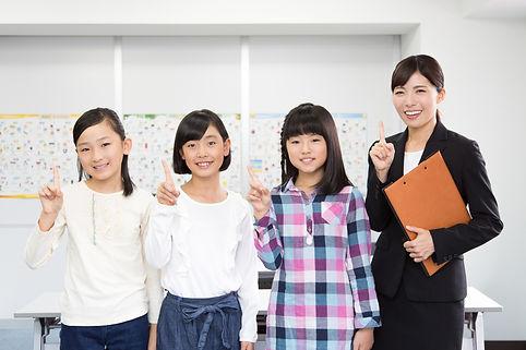 塾講師と小学生の女の子