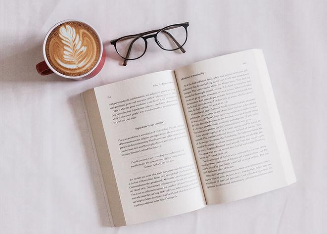 Libro y cafe