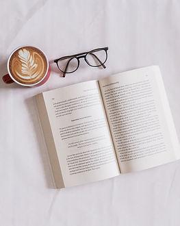 Livro e café