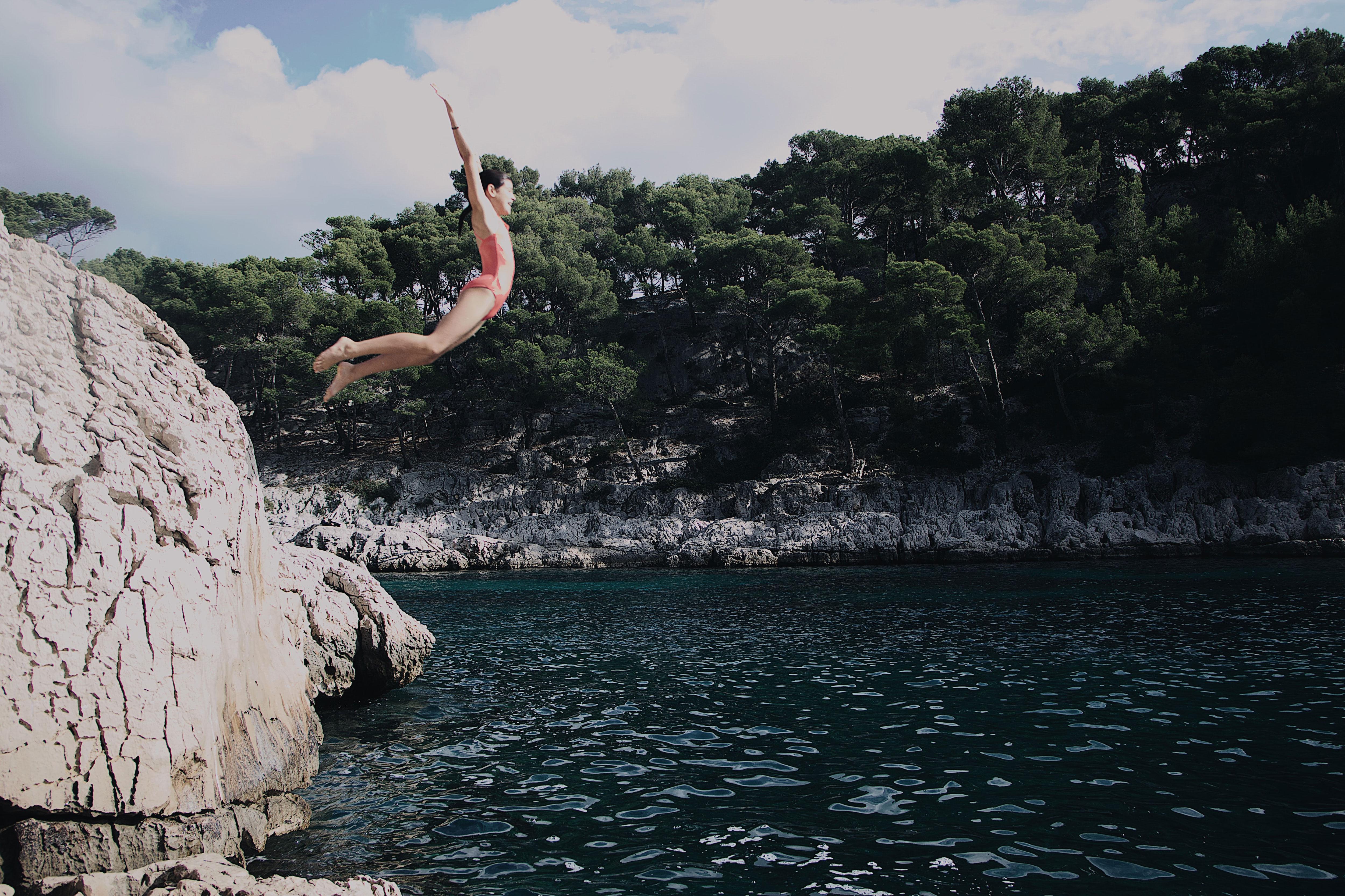 Sauter dans l'eau