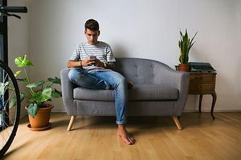 Adolescente, en, teléfono móvil