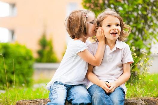 Best Friends tells a secret, 2 children