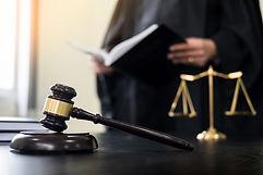 Domare och kavel