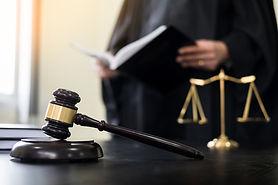 Dommer og Gävel