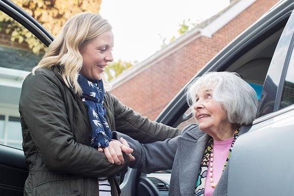 Ajudando o Ancião