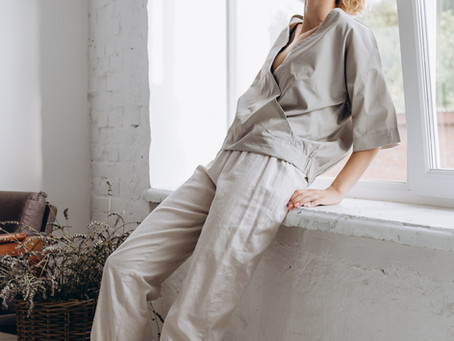 4 Tips on How to Dress Up Lounge Wear