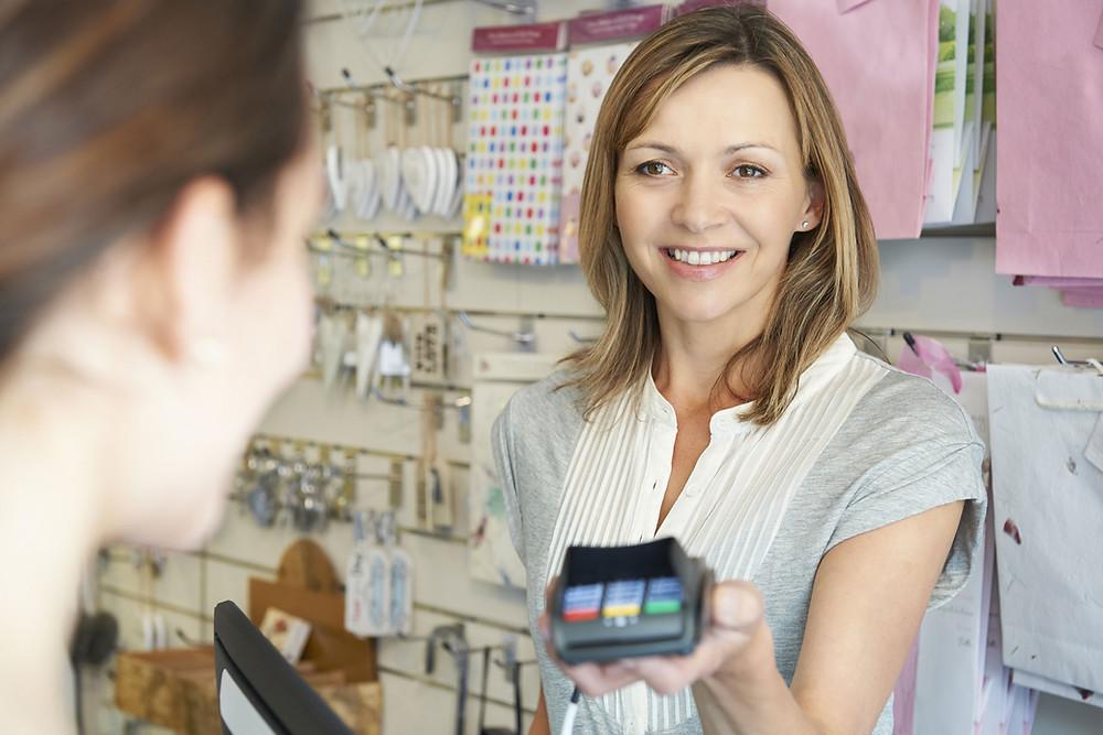 Продажа товара с отсрочкой платежа. Сколько кассовых чеков надо пробивать?